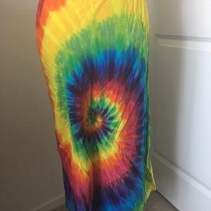 Dresses & Skirts - Spiral Tie Dye A-Line Skirt Small